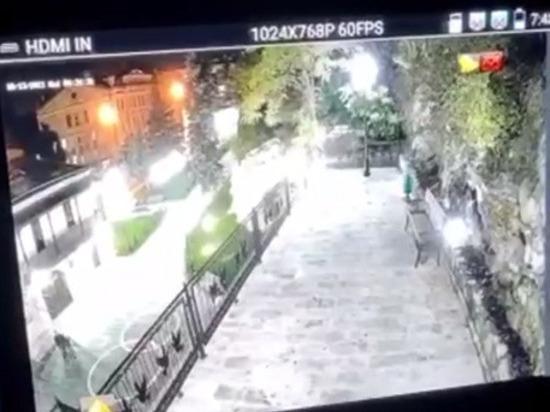 Перед пятигорским ЗАГСом установили видеокамеры высокого разрешения