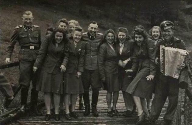 """""""Холокост для палачей был обычной работой"""""""