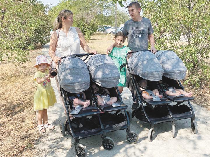 Мама четверняшек рассказала о жизни без нянь