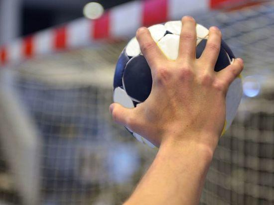 ЦСКА вышел на второе место в чемпионате России по гандболу