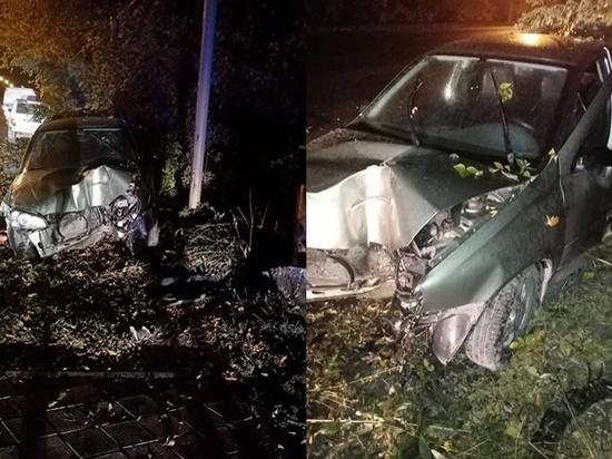 В Новошахтинске водитель авто врезался в газовую трубу: пострадала 14-летняя девочка