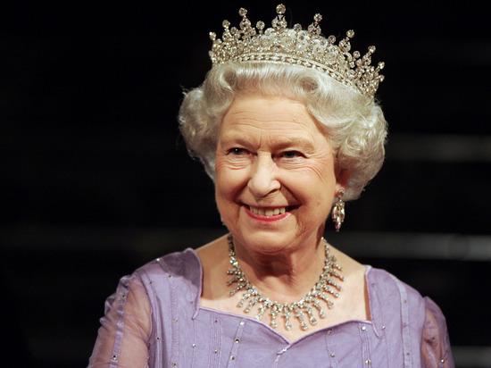 Елизавета II в письме школьникам из Крыма указала в обратном адресе Россию