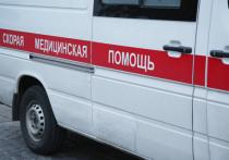 Тяжелая стеклянная дверь павильона рухнула на 50-летнюю пассажирку на станции «Тушинская» МЦД-2