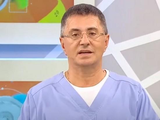 Мясников призвал делать тест на коронавирус при первых симптомах ОРЗ