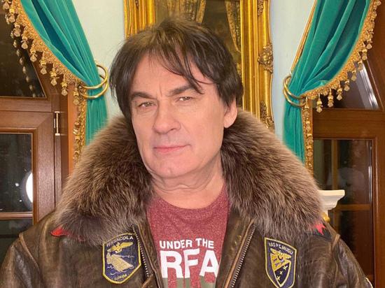 Официальный представитель певца Александра Серова сделал заявление о  его здоровье
