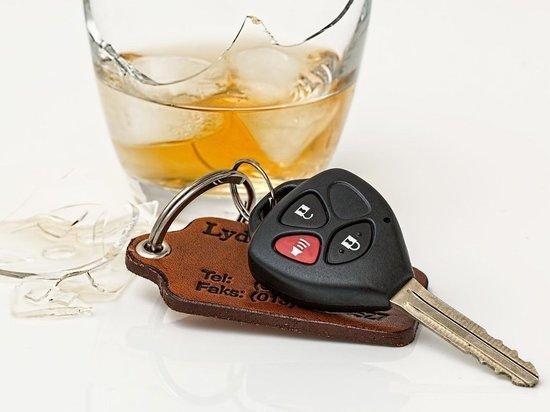 Пьяных водителей-рецидивистов поймали в Псковской области