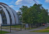 В Москве загорелся спортивный комплекс «Атлант-Косино» на улице Большой Косинской