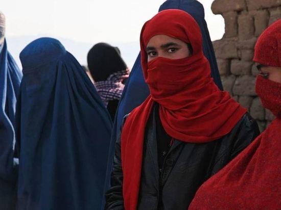 Талибы заявили о возвращении женщин в систему здравоохранения Афганистана