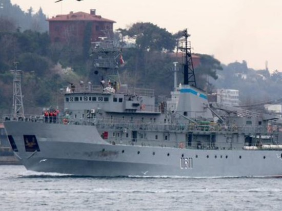 Терпевшее бедствие судно ВМС Украины вернулось в порт Одессы