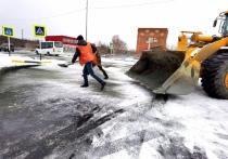 Подогрев двигателей: свисающие с окон провода мешают уборке снега в Харпе