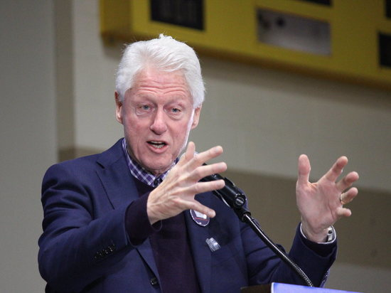 СМИ: Билл Клинтон госпитализирован с заражением крови