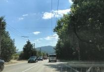 На въезде в Симферополь образовалась масштабная пробка
