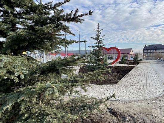 Глава Тазовского района Василий Паршаков посетил объекты благоустройства в райцентре