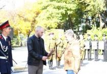 В 2020 году во время сноса дома в Трусовском районе был обнаружен Орден Великой Отечественной войны 2 степени