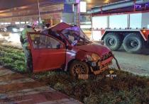 В Новосибирске погиб водитель «Тойота» после столкновения со столбом