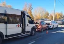 Водитель и два ребенка пострадали в массовом ДТП в Новосибирске