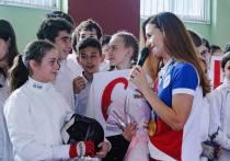 Олимпийская чемпионка по фехтованию провела мастер-класс для учеников школы в Сочи