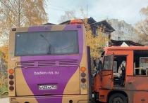В Нижнем Новгороде произошла авария с участием двух автобусов и грузовика
