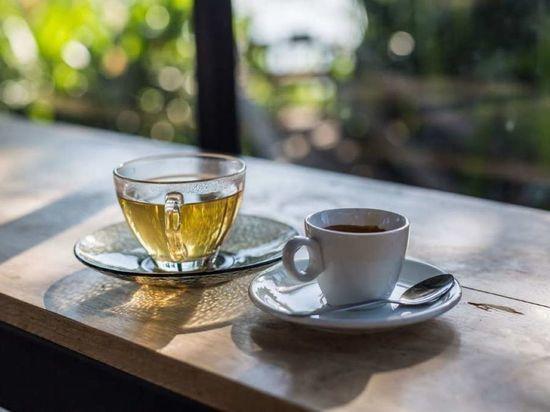 Кофе и чай являются популярными утренними напитками