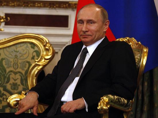 """Телеведущая CNBC Хедли Гэмбл, которая работала модератором во время «Российской энергетической недели», сделала комплимент российскому президенту, сообщили в передаче """"Москва. Путин. Кремль"""""""
