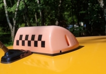 Пассажир напал на таксиста:
