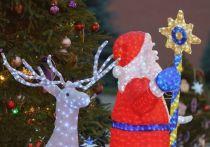 ТРК «Галактика» в Сосновом Бору начали украшать к Новому году
