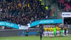 В Нидерландах под футбольными фанатами рухнула трибуна стадиона