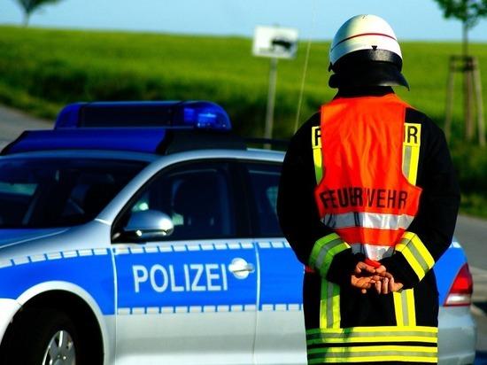 В округе Фейер (Венгрия) супружеская пара была задержана сотрудниками правоохранительных органов по подозрению в незаконном лишении свободы и использованию рабского труда