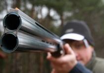 Отец 12-летнего ученика, который устроил стрельбу в школе поселка Сарс Пермского края, рассказал, что утром 18 октября он попросил сына найти ключи от сейфа, в котором было спрятано оружие