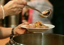 Диетолог Изабель Смит рассказала, какие продукты лучше не добавлять в суп, пишет eatthis