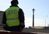 На юго-востоке Москвы грузовик зацепил пешехода, после чего скрылся с места происшествия