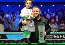 Первый рейтинговый турнир серии Home Nation сезона 2021/22 преподнес любителям снукера немало сюрпризов и запомнился красивым финалом, в котором победил североирландец Аллен, завоевав престижный трофей Алекса Хиггинса