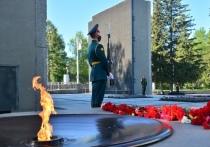 Мэр поручил расторгнуть договор с охранявшим Монумент Славы ЧОПом в Новосибирске