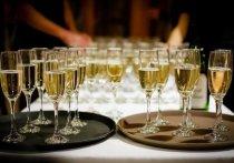 Специалисты винного рынка спрогнозировали рост цен на игристые алкогольные напитки как отечественного, так и импортного производства