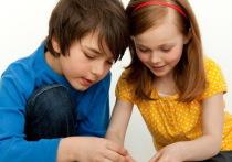 Представители известного производителя Lego объявили, что в ближайшем будущем компания намерена избавиться от игрушек, которые «навязывают» детям гендерные различия