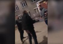 Возле общежития Новосибирского педагогического государственного университета (НГПУ) произошел конфликт, закончившийся дракой, сообщает Readovka