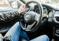 В Астрахани судебные приставы совместно с сотрудниками ГИБДД смогли найти должника и арестовать у него автомобиль