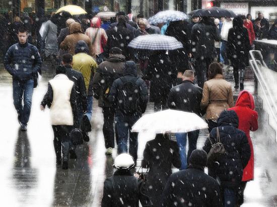В Москве выпал создавший девятибалльные пробки первый снег, но уже завтра температура c 2 градусов поднимется до 12-14