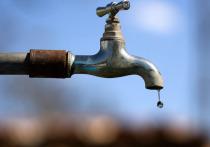 Специалисты ликвидировали аварию на водопроводе, оставившую без воды жителей Волхова