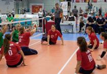Алена Дмитриева принимает участие на чемпионате Европы по волейболу сидя