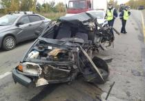 Ивановец на угнанном автомобиле попал в аварию в Ярославской области