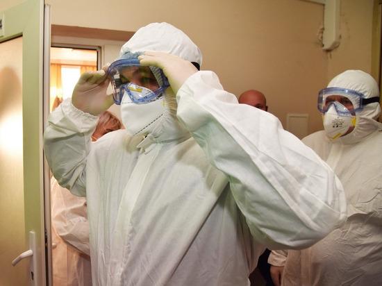 В четверг, 21 октября, Денис Пушилин приехал на базу для лечения зараженных COVID-19, которая была открыта на территории хирургического корпуса ЦКБ больницы No 1 г