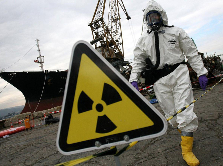"""Сброс миллиона тонн радиоактивной воды с """"Фукусимы"""" угрожает опасностью миру"""
