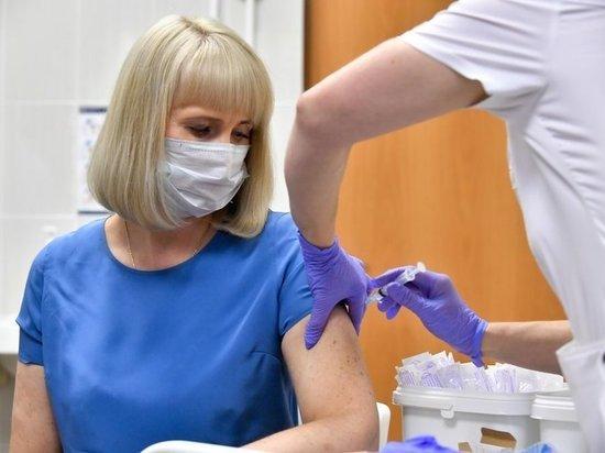 Иммунолог рассказал о рисках частой ревакцинации от COVID-19