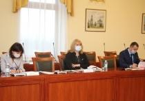 В целом в областном бюджете на выполнение социальных обязательств запланирован почти 21,5 млрд рублей