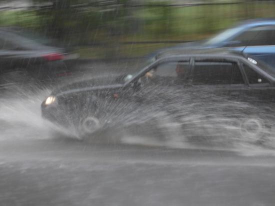 """Синоптик Александр Шувалов заявил, что """"ураган, обрушившийся на Москву 22 октября, на самом деле нельзя так называть"""
