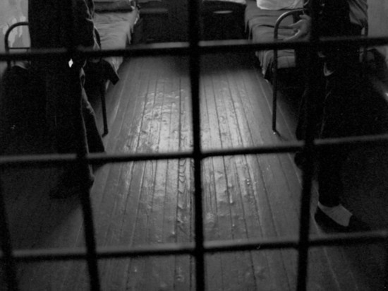 Правозащитники из Gulagu net сообщили, что МВД объявило в розыск программиста, который передал проекту видеоархив ФСИН с записями пыток заключенных