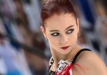 Сезон в фигурном катании официально стартовал в минувшие выходные в Лас-Вегасе — на Skate America разыграли первые значимые медали года. В женском одиночном катании ожидаемо победу одержала Александра Трусова, которая потрепала нервы перед стартом соревнований, но даже с травмой доказала, что способна в этом сезоне на многое. «МК-Спорт» расскажет, как это было.