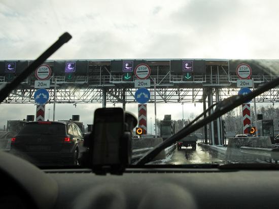 Министерство транспорта РФ намерено поднять стоимость проезда по платным дорогам, чтобы быстрее погасить имеющиеся долги «Автодора» и финансировать строительство новых трасс