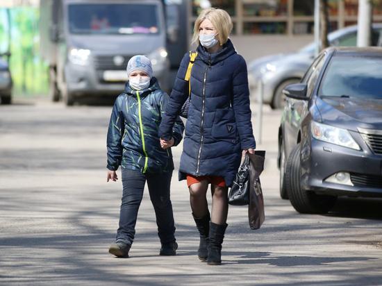 """Сейчас в экспертном сообществе все большее беспокойство начал вызывать тот факт, что преобладающий в России штамм коронавируса """"Дельта"""" стал все чаще поражать детей"""